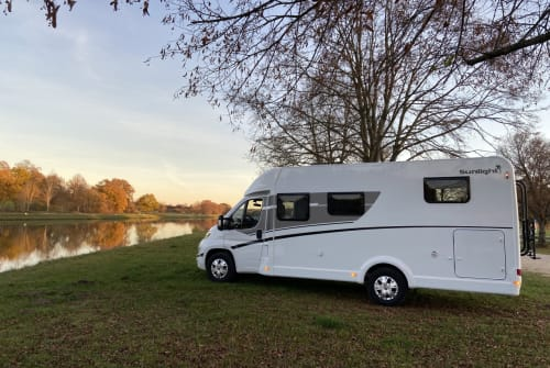 Hire a motorhome in Schwabach from private owners| Sunlight  Sunny T67S 2021