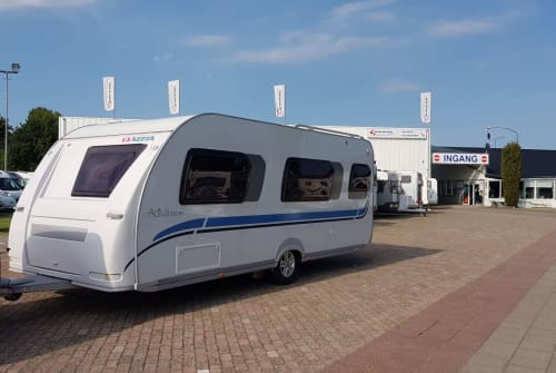 Hire a motorhome in Viersen from private owners| Adria Urlaubstraum