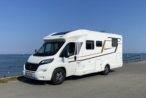 Hire a motorhome in Fahrdorf from private owners| Eura Mobil WÜSL