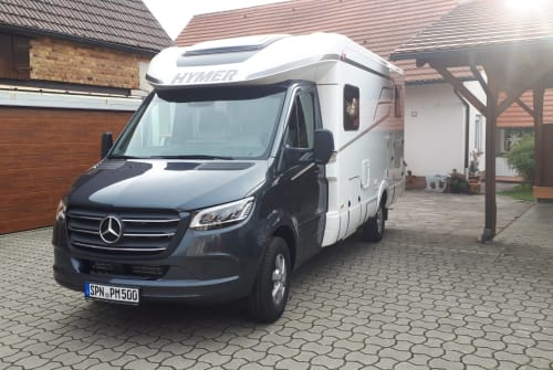 Hire a motorhome in Döbern from private owners| Mercedes Sprinter Big Berta