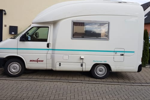 Hire a motorhome in Hagen from private owners| VW T4 Woodstock