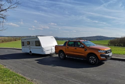 Hire a motorhome in Visbek from private owners| Knaus  Emma Knausi