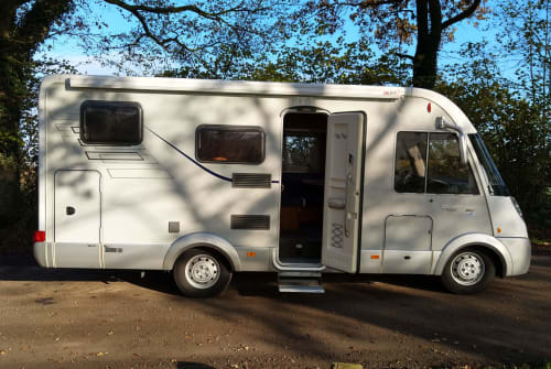 Hire a motorhome in Henstedt-Ulzburg from private owners  Hymer Hymer Nordlicht