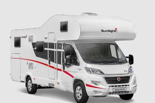 Hire a motorhome in Krayenberggemeinde from private owners| Sunlight A70
