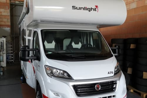 Hire a motorhome in Bernburg from private owners| Sunlight  Sunlight A 70
