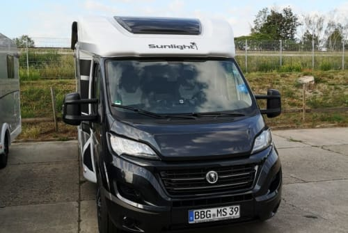 Hire a motorhome in Bernburg from private owners| Sunlight Sunlight T 68XV