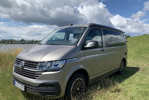 Hire a motorhome in Hamburg from private owners| VW Schlössl