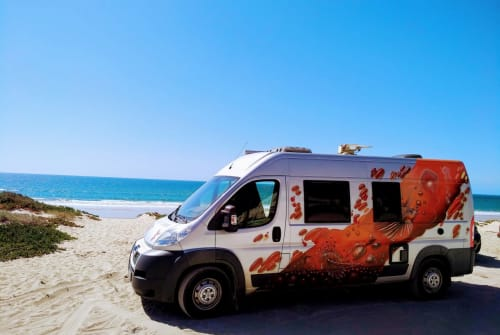 Hire a motorhome in Lissabon from private owners| Peugeot Lionfish