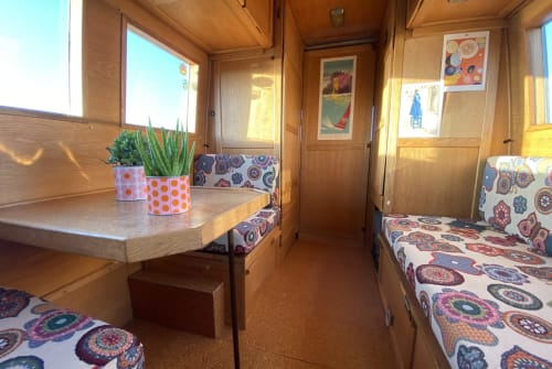 Hire a motorhome in Valencia from private owners| Mercedes 407d Bolletje