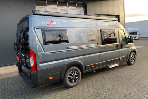 Hire a motorhome in Verl from private owners| Carthago Carthago640-606