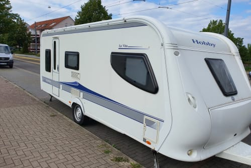 Hire a motorhome in Arnstadt from private owners  Hobby Hobby La Vita