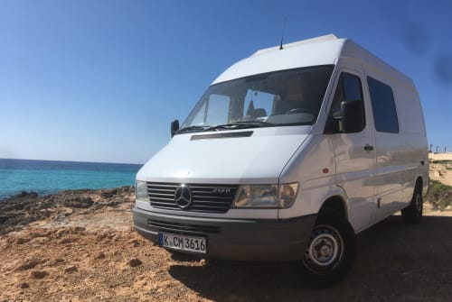 Hire a motorhome in Palma from private owners| Mercedes Benz SUPERTRAMP