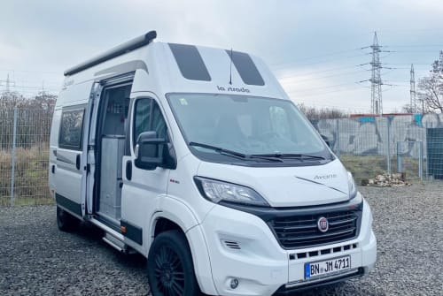 Hire a motorhome in Köln from private owners| La Strada Abanti C 4711