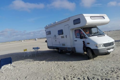 Hire a motorhome in Geltendorf from private owners  Mercedes Sprinter Dethlef