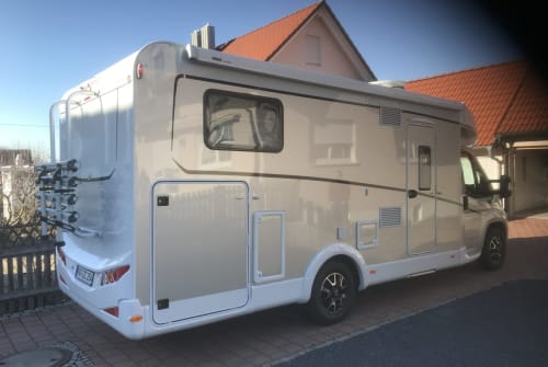 Hire a motorhome in Reichertshofen from private owners| Dethleffs Paddy