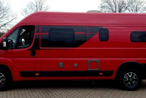 "Hire a motorhome in Nienburg from private owners| Cliff 640, Fiat Ducato ""Der Rote"""