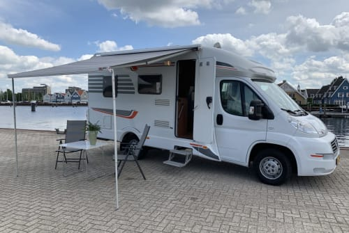Hire a motorhome in Huizen from private owners| Fiat Luxe Camper