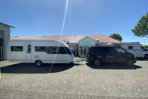Hire a motorhome in Rangsdorf from private owners| Hobby Paul