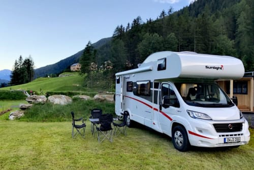 "Hire a motorhome in Dippoldiswalde from private owners| Sunlight  ""Sunny"""