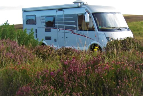 Hire a motorhome in Mönchengladbach from private owners| HYMER MopsMobil