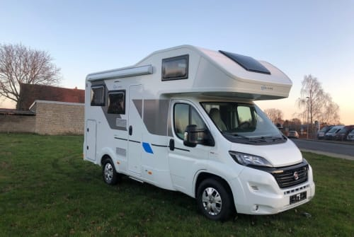 Hire a motorhome in Berlin from private owners| Fiat Ducato 2,3 Liter SunLiving A60
