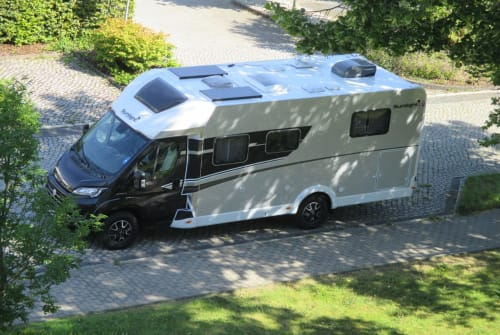 Hire a motorhome in Göttingen from private owners| Sunlight Sunny