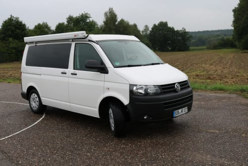Hire a motorhome in Schrobenhausen from private owners  VW Bus T5 Polaris
