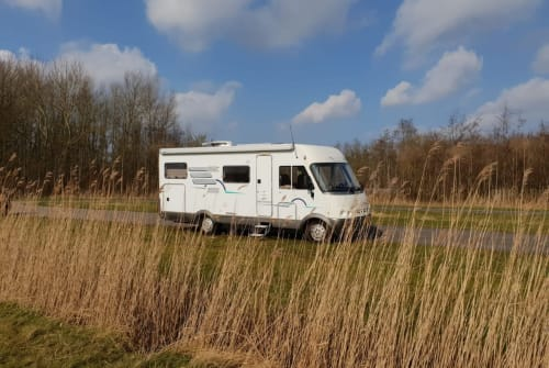 Hire a motorhome in Nijmegen from private owners  Hymer Villa Ibiza