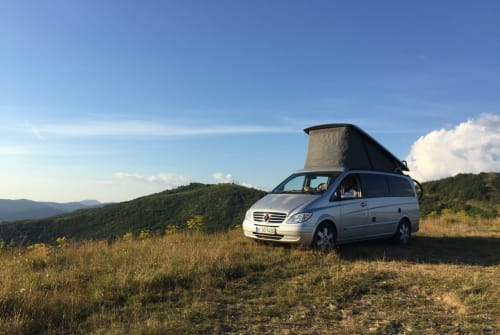 Hire a motorhome in Berlin from private owners  mercedes Boo