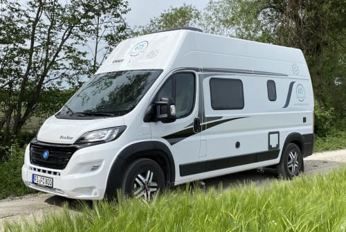 Hire a motorhome in Neufahrn bei Freising from private owners| Knaus Lisa - BJ. 2021