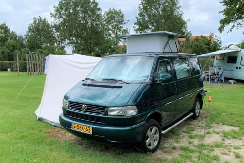 Hire a motorhome in Utrecht from private owners| VW Luxe VW T4 TDI