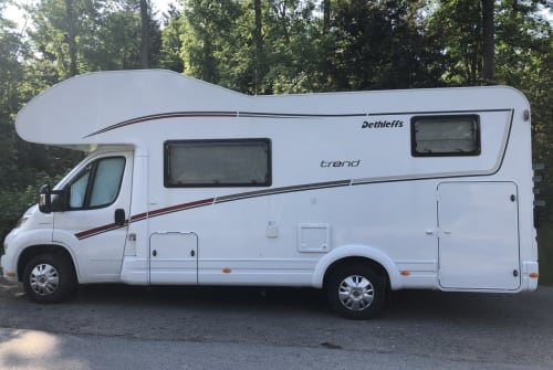 Hire a motorhome in Schöneck from private owners  Dethleffs Willibald