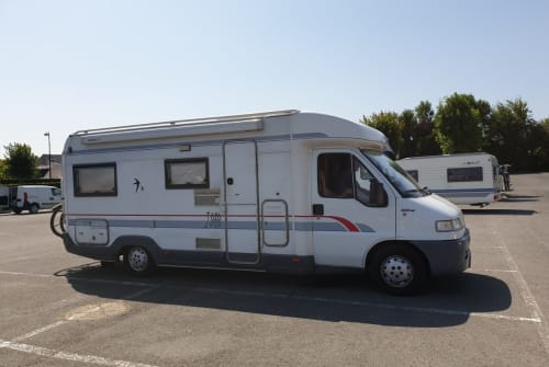 Hire a motorhome in Boornzwaag from private owners| Fiat  Burstner