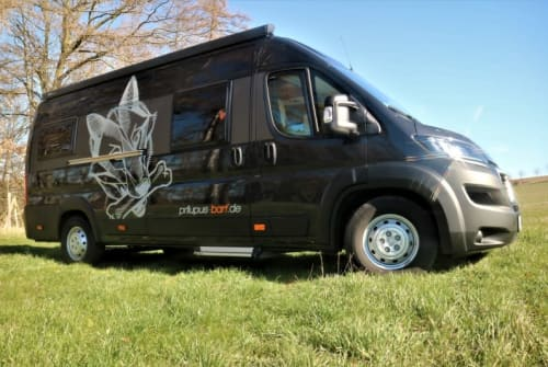 Hire a motorhome in Wutha-Farnroda from private owners| Vantourer Dog`s Van Black