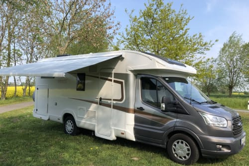 Hire a motorhome in Dahme from private owners| nobelART auf Basis Ford Transit Paula