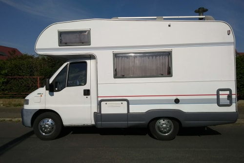 Hire a motorhome in Leipzig from private owners| Bürstner Hobi