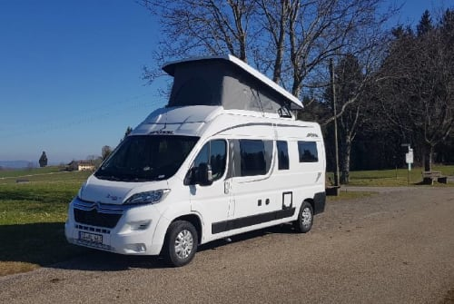 Hire a motorhome in Sulzberg from private owners| Pössl FamilienCamper