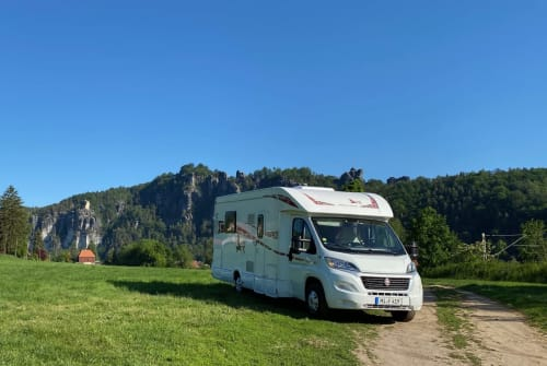 Hire a motorhome in Porta Westfalica from private owners| Rimor SILVERLINE