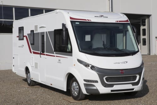Hire a motorhome in Buch in Tirol from private owners| Rollerteam Roll Nick