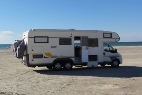 Hire a motorhome in Horst from private owners| Eura Familiencamper