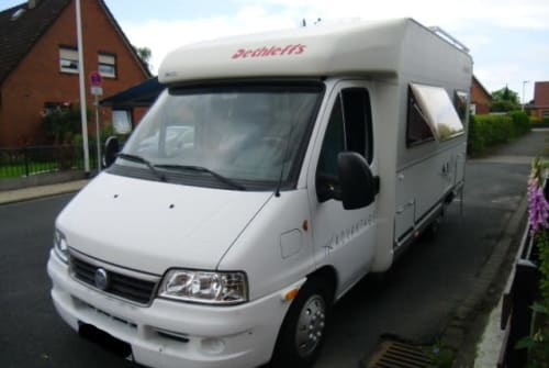 Hire a motorhome in Mölln from private owners| Fiat Ducato Till