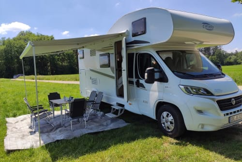Hire a motorhome in Vaterstetten from private owners| Carado BavarianCamper3