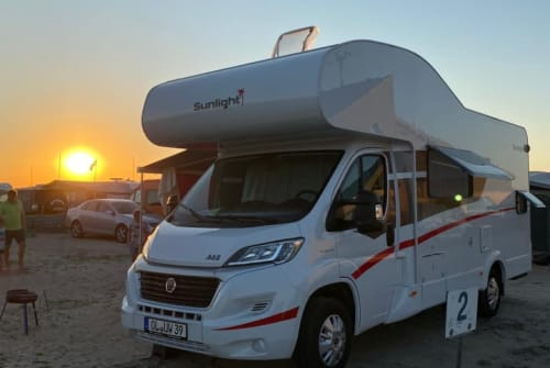 Hire a motorhome in Ganderkesee from private owners| Sunlight Urlaubs-WoMo