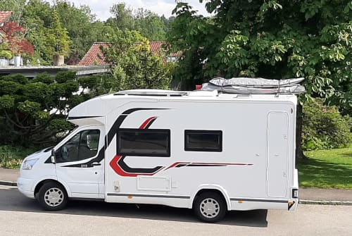 Hire a motorhome in Leutkirch im Allgäu from private owners| Challenger Mageo 290