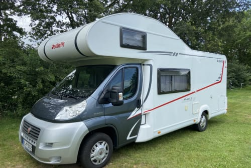 Hire a motorhome in Jüchen from private owners  Dethleffs Delff