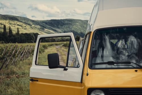 Hire a motorhome in Schwarzenbek from private owners| VW Pandemio