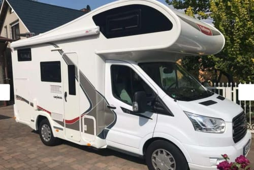 Hire a motorhome in Berlin from private owners| Ford Fortuna