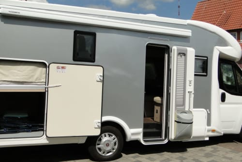 Hire a motorhome in Lingen from private owners| Forster Forster
