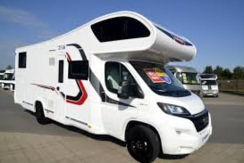 Hire a motorhome in Müglitztal from private owners  Challenger HD115