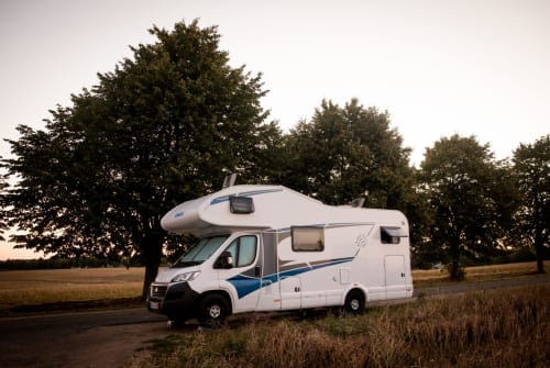 Hire a motorhome in Dortmund from private owners  Knaus Momo